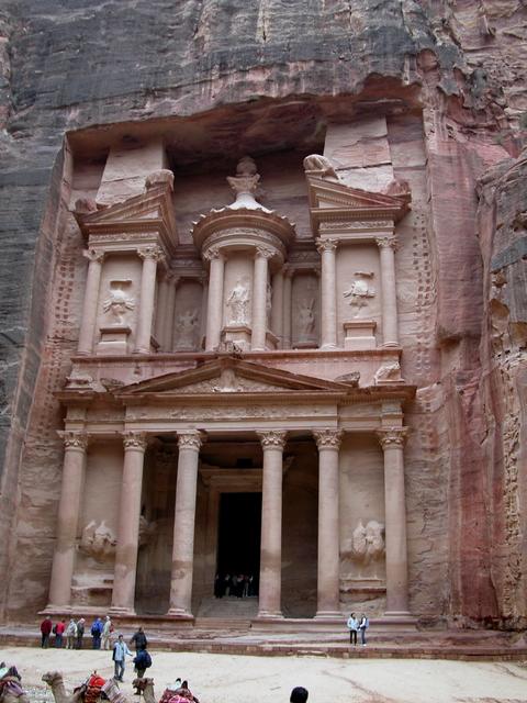 ヨルダンってどんな国?治安、世界遺産、観光などについて